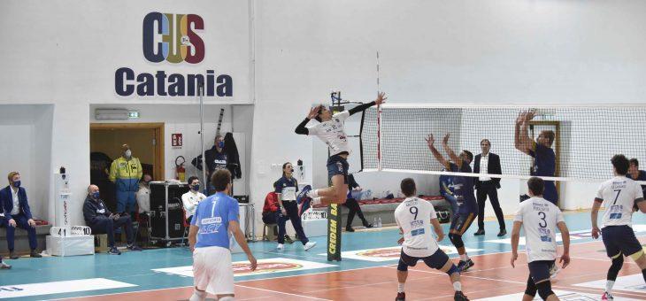 Saturnia Aci Castello: Biancoblu ancora troppi blackout nell'esordio al PalaArcidiacono, sconfitta per 3-1